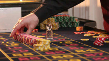 What are the popular gambling sites in India